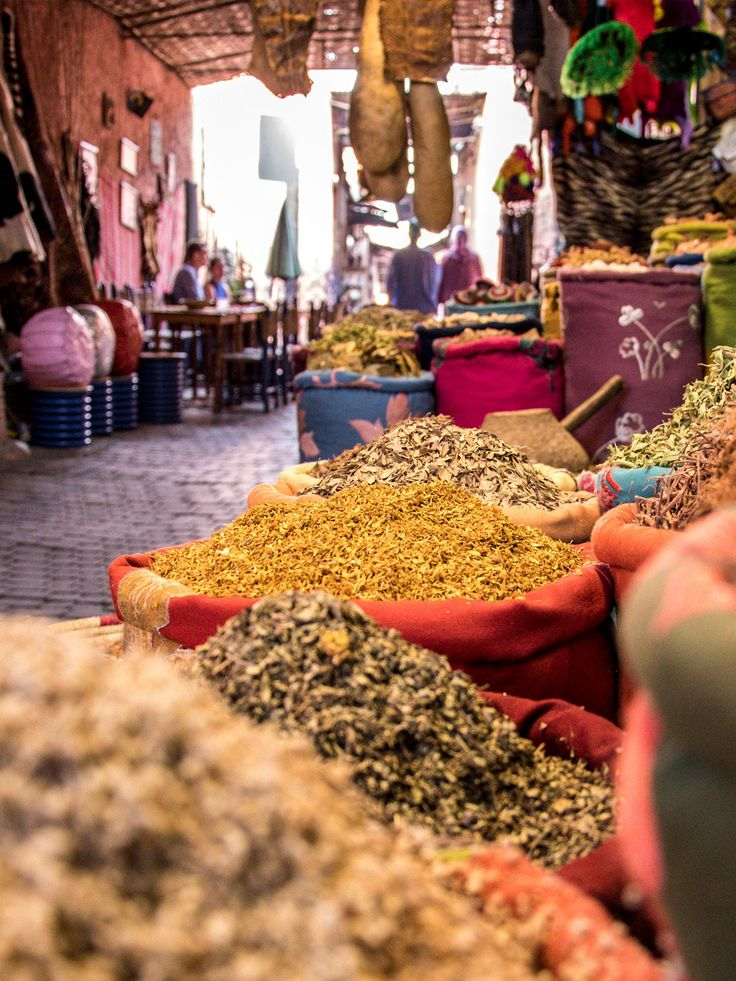 #Marrakechspices are so much popular in #Morocco and even in the #Europe too. ❤️  #Moroccanspices #Moroccanheritage #Moroccanfood #Holidays #Moroccotravel #Marrakech #Healthyfood #Visitmorocco #Medinalife #Travelingram #Travel #Culture #Heritage #Foodies #Foodlove #Travellingmorocco #ViriksonMoroccoHolidays