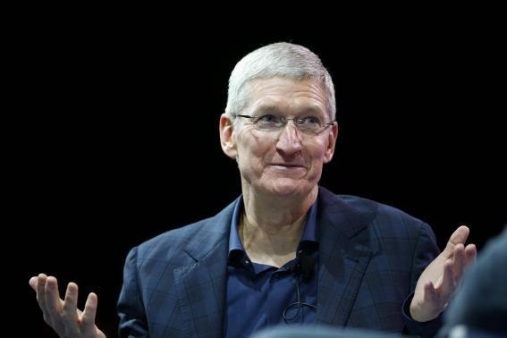 CEO Apple Tim Cook: 'Saya Bangga bahwa Saya Gay'