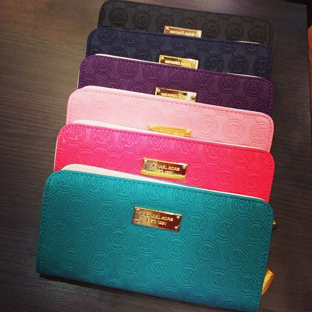 Michael Kors Wallets; I need one of these!