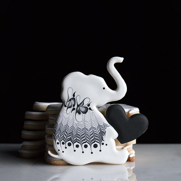 Elephant Cookie by Melissa Broyles. One-of-a-kind cutters exclusively made by Sugarbombe. Saved By Holly MacFarland.