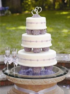 fall wedding cakes with purple hydrangea and pumpkin s | special a little purple goes a long way on the wedding cake in cake ...