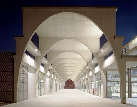 Cuzzi_Mercati generali_Torino. Il Villaggio Olimpico e il futuro della città