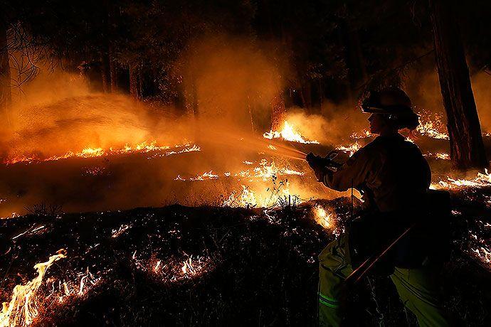 Colosal incendio amenaza dos mil casas en el norte de California   EL PAIS