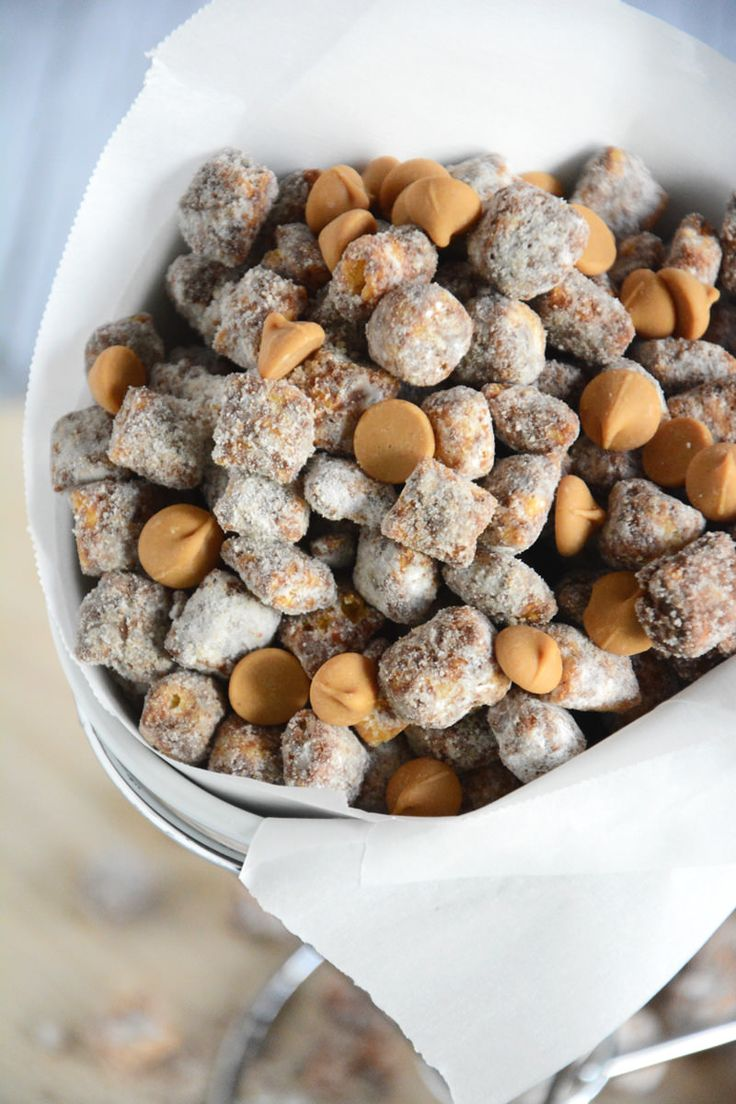 Captain Crunch Peanut Butter Puppy Chow gets a peanut butter makeover with a childhood classic cereal!