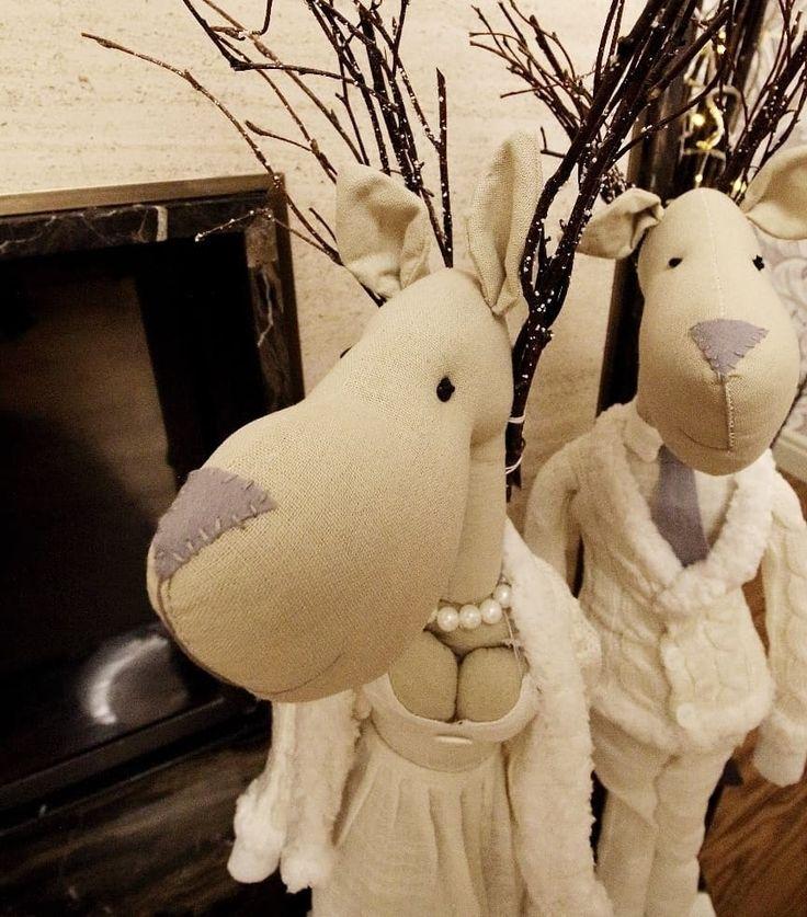 горячие #новости: два лося перебрались из #galleria_arben к  новогоднему камину @janestelmah! Спасибо :) #подарки #новогоднеенастроение #лоси #christmasdecor #новогоднийдекор #дизайнинтерьера #новыйгод