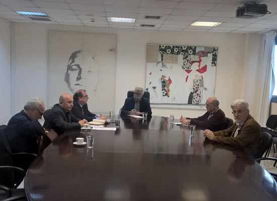 09-03-17 Συνάντηση του Κώστα Γαβρόγλου με το Προεδρείο των Πανεπιστημιακών   09-03-17 Συνάντηση του Κώστα Γαβρόγλου με το Προεδρείο των ΠανεπιστημιακώνΣε πολύ θετικό κλίμα έγινε η συνάντηση του υπουργού Παιδείας Έρευνας και Θρησκευμάτων Κώστα Γαβρόγλου με το Προεδρείο της Πανελλήνιας Ομοσπονδίας των Πανεπιστημιακών (ΠΟΣΔΕΠ) κατά την οποία διαπιστώθηκε σύμπτωση απόψεων σε πολλά θέματα αλλά και διαφορετικές απόψεις για κάποια άλλα.Στη συζήτηση κυριάρχησε το θέμα των μετεγγραφών και των…