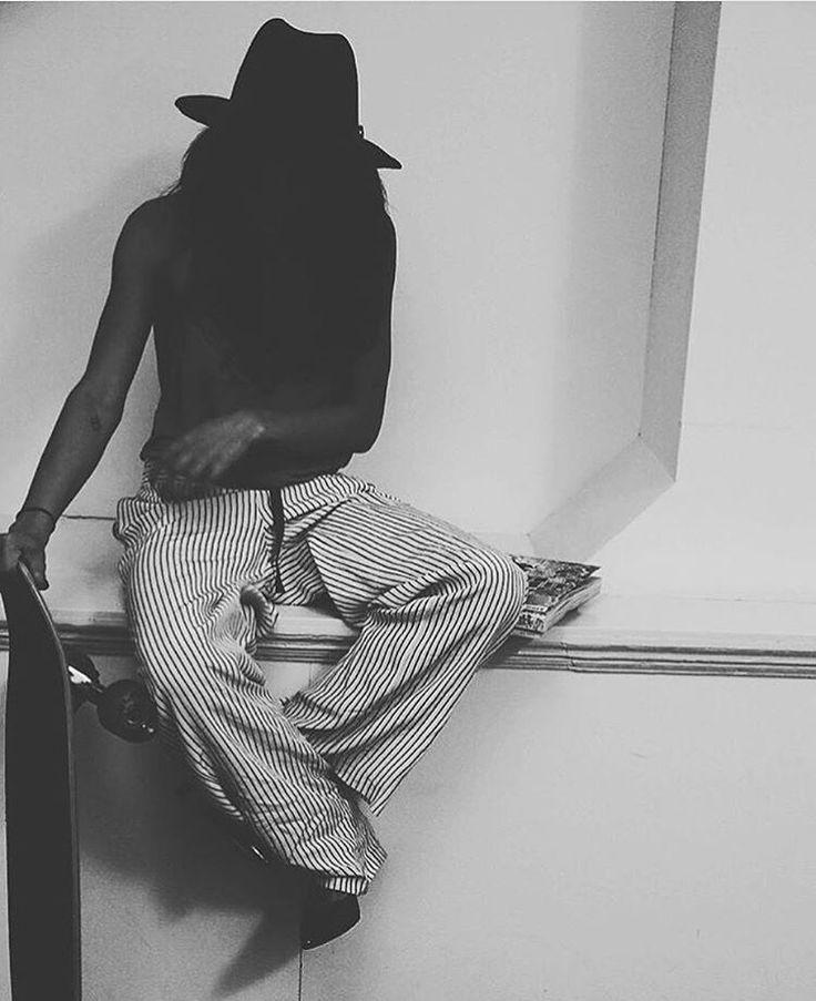 Black and white. Actress & blogger, Chloé Chanté, in full Samsøe & Samsøe SS16 look. Havana hat, Tuersen pants & Kinna top.