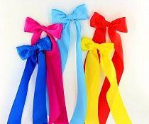 Wat een mooie grote strikken! Speciaal voor de jurken van Waaaw kids. Tover je jurk in een handomdraai om tot een prachtige feestjurk.