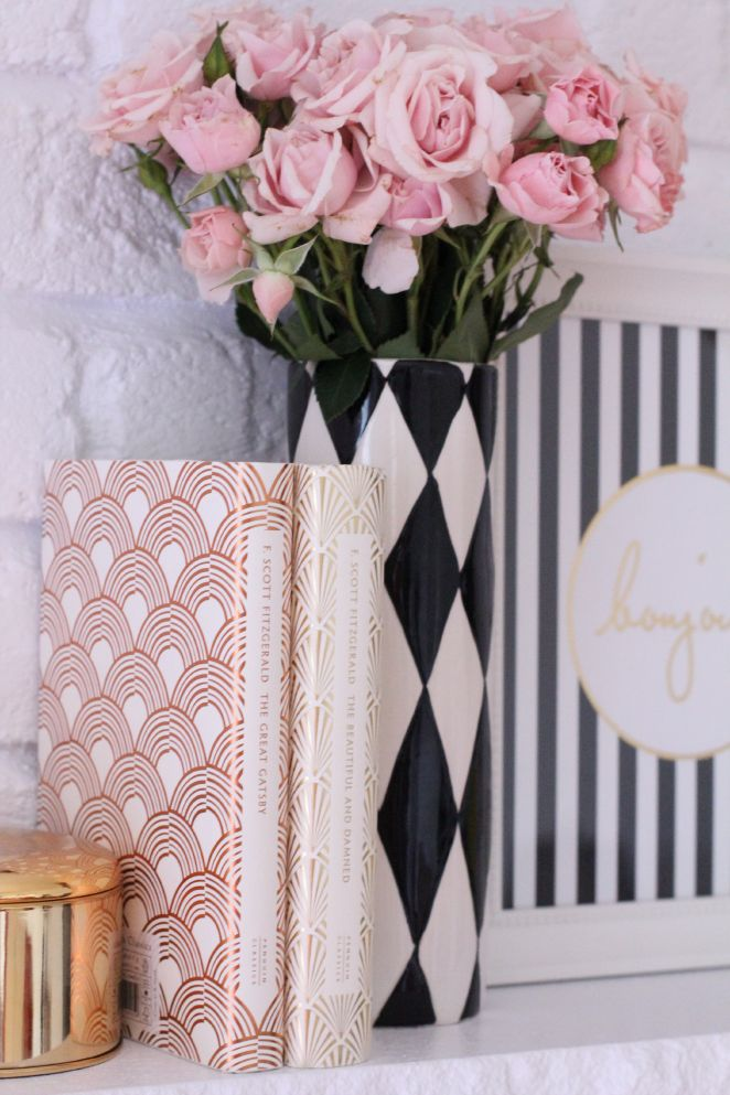black // white // gold // blush // details // rode // pattern decor // cute