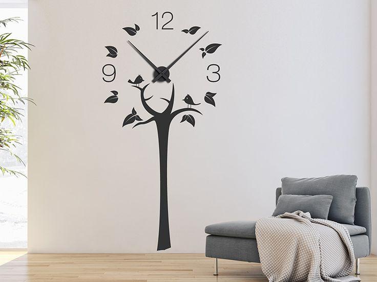 Praktische Baum Deko: Wandtattoo Uhr in Form eines Baums.
