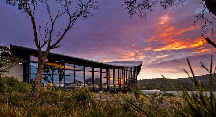 The only luxury lodging on Tasmania, Saffire Lodge sits alone in the wilderness of Freycinet National Park on a sweeping bay of white sand.