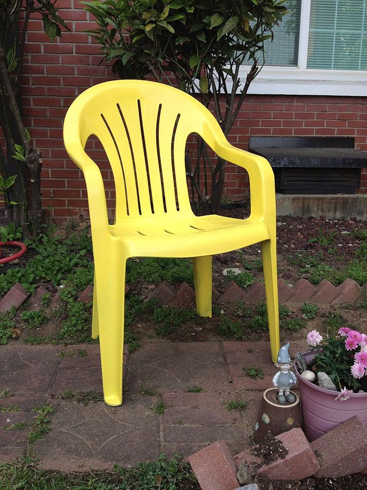 Best 25 Painting Plastic Chairs Ideas On Pinterest Painting Plastic Furniture Outdoor