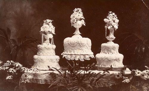 Google Image Result for http://ruffledmedia.ruffled.netdna-cdn.com/Images/posts/Wedding/vintage-cake-table.jpg
