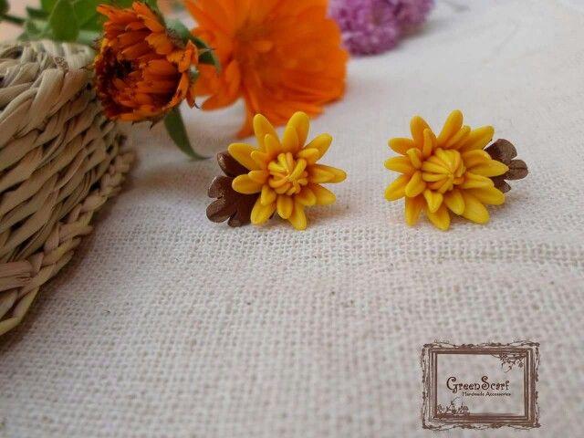 Polymer clay autumn flowers