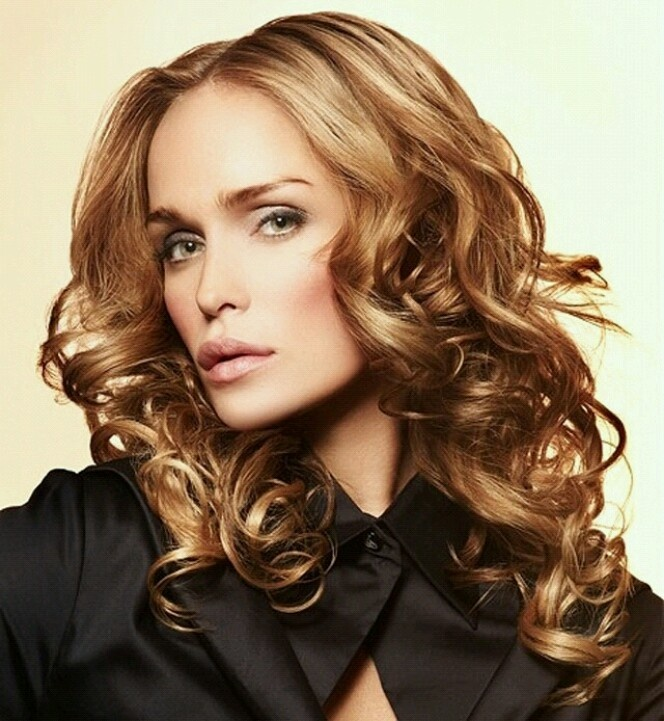 style curled hair pin on picture for more seductive curly hair styles 8769