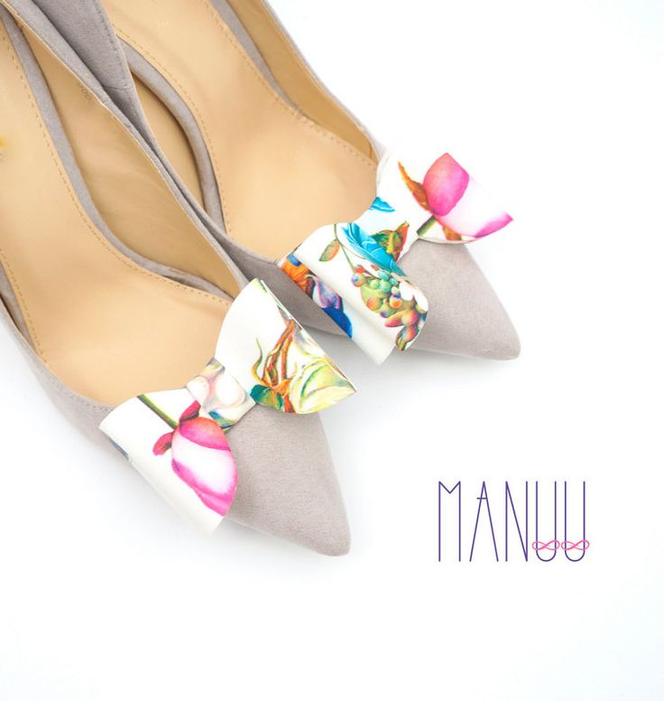 White shoe clips bows Flower shoe clips Wedding by ManuuDesigns