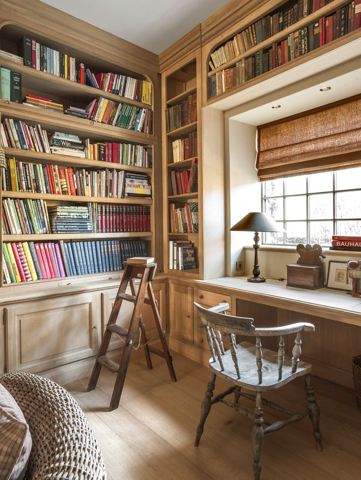 Library in natural oak - custommade in the workshop of Lefèvre Interiors www.lefevre.be Photo credit Claude Smekens