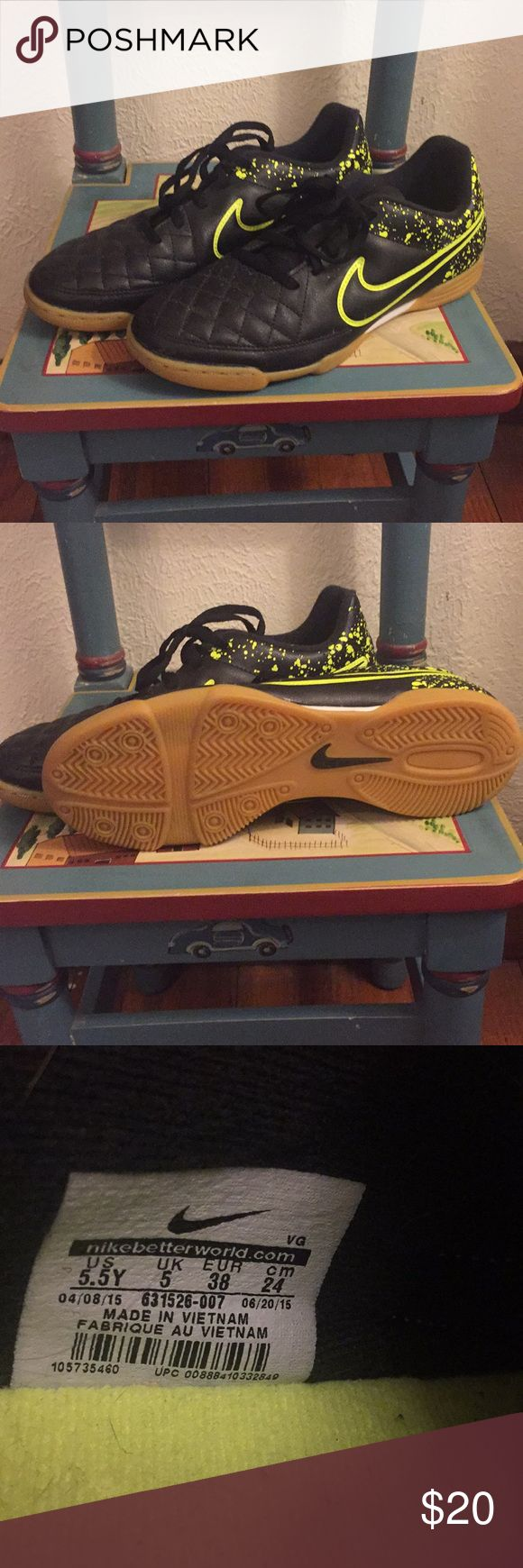Youth boys size 5.5 Nike indoor soccer shoes Perfect condition indoor soccer shoes. Great for winter conditioning. Worn a few times before he outgrew them! Nike Shoes
