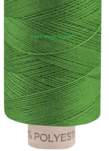 Fern Green    Universeller Faden für das übliche Nähen im Haushalt, geeignet für alle Textilien aus Natur-, Misch- oder Synthetikgarn.    Bitte beachten Sie das durch die Aufnahme der Farbton ein wenig abweichen kann  hier ist sie Real heller, so wie etwa diese Schrift     Stärke: 14,8 x 2 tex;   Hier gilt:  Bei der Stärke gilt, je höher die Zahl, desto grober das Garn. Die Zahl 2 bedeutet, dass der Faden aus 2 einzelnen Fäden gedreht ist.  Pflege