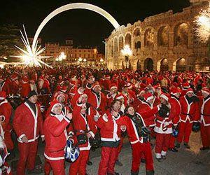 Sabato 20 Dicembre 2014 si rinnova la divertente sfilata del Babbo Natale in moto a Verona @gardaconcierge