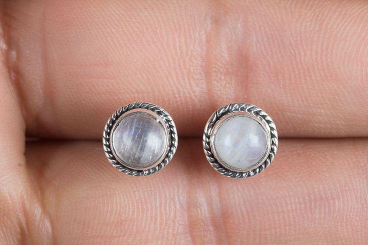 Orecchini a lobo argentati - Arcobaleno Moonstone della pietra preziosa, Moonst - un prodotto unico di ArtisanJewellery su DaWanda