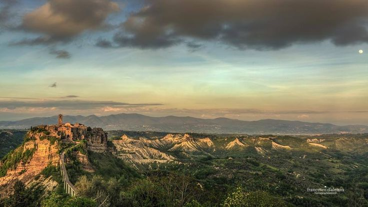 SELECTION OF THE DAY by #Expo #FineArt #Photography La città che muore Civita di Bagnoregio - 2015 Photo © Francesco D'Alonzo #Landscape