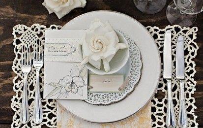 Matrimonio all'uncinetto - Matrimoni e uncinetto: tutto per la sposa total look o fai da te, dalla bomboniera al segnaposto all'abito al coprispalle al velo alle scarpine alle decorazioni per la torta può essere fatto all'uncinetto.