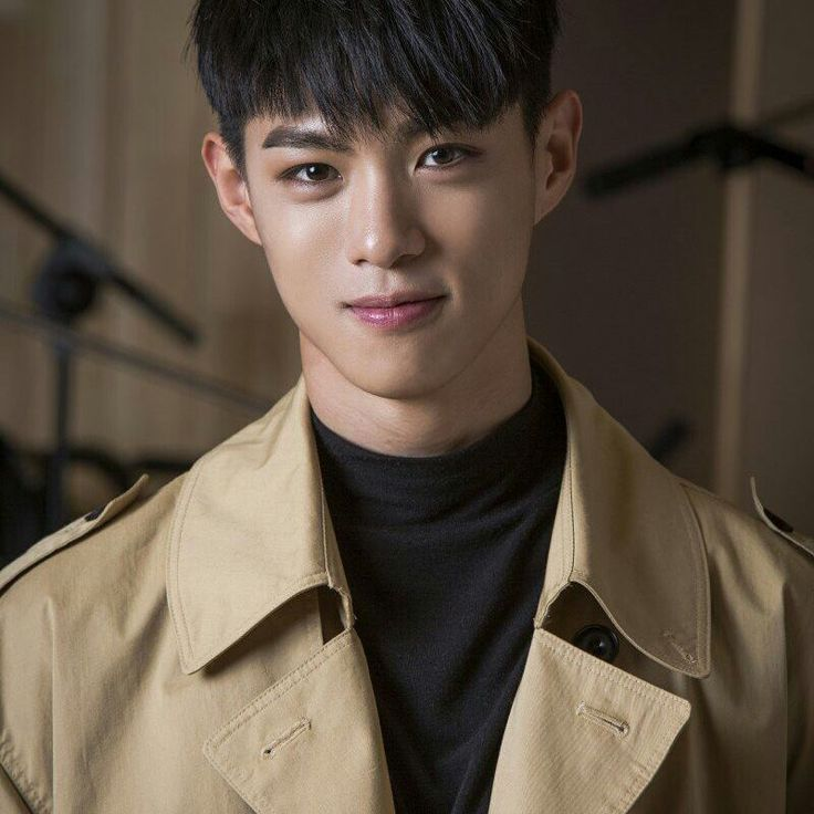 Stage name: Vaan Birth Name: Kim SangWon Position: Main Rapper Birthday: October 10, 1996 Zodiac Sign: Libra Height: 181 cm (5'11'') Weight: 66 kg (145 lbs)