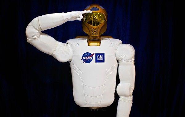La NASA es creadora de multitud de inventos queusamos en nuestra vida cotidiana y apenas somos conscientes de su origen. Un ejemplo es, por supuesto, elGPSo el metal con el que se fabrican losbrackets. Hay una gran variedad de inventos que probablemente desconocías que fueron fabricados por la NASA. Pero bueno, vamos al asunto …
