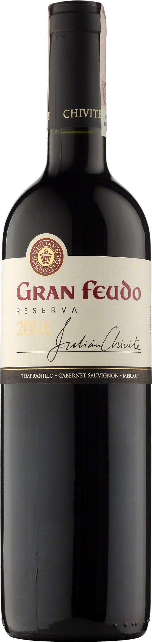 Chivite Gran Feudo Reserva Navarra D.O. Ma jaśniejszy kolor niż crianza (dłuższe dojrzewanie, 18 miesięcy w dębowych beczkach), ale nos jest bardziej złożony, z wyraźnym akcentem tytoniu i wanilii. Paleta Reservy jest dystyngowana i elegancka - wino jest niezwykle subtelne. #Chivite #GranFeudo #Reserva #Navarra #Hiszpania #Tempranillo #Wino #Winezja