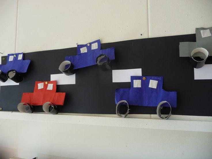 Map juf Ineke, thema verkeer: auto's op de snelweg.