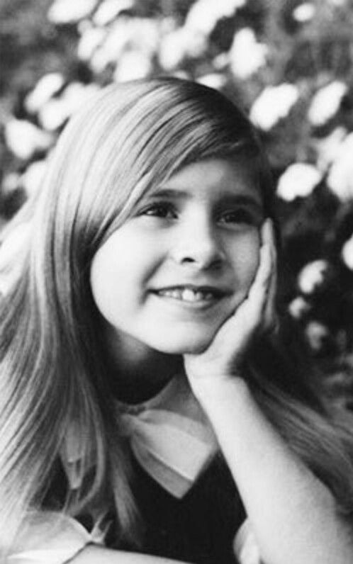 ❤RARE PHOTO OF YOUNG CARRIE FISHER❤