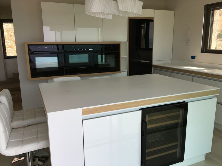 Kitchen top with corian by Dupont