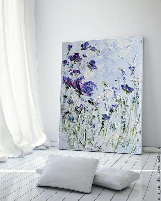 Фиолетовая голубая синяя картина маслом сиреневые цветы пионы розы ирисы повесить на стену в спальни. Художник Марина Маткина, купить картину маслом с цветами