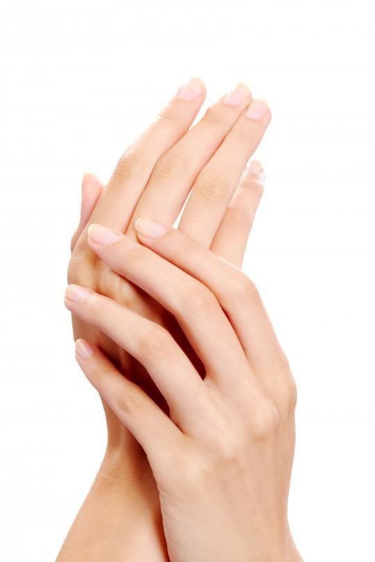Απίστευτη σπιτική συνταγή για τις κηλίδες στη ράχη των χεριών!!!