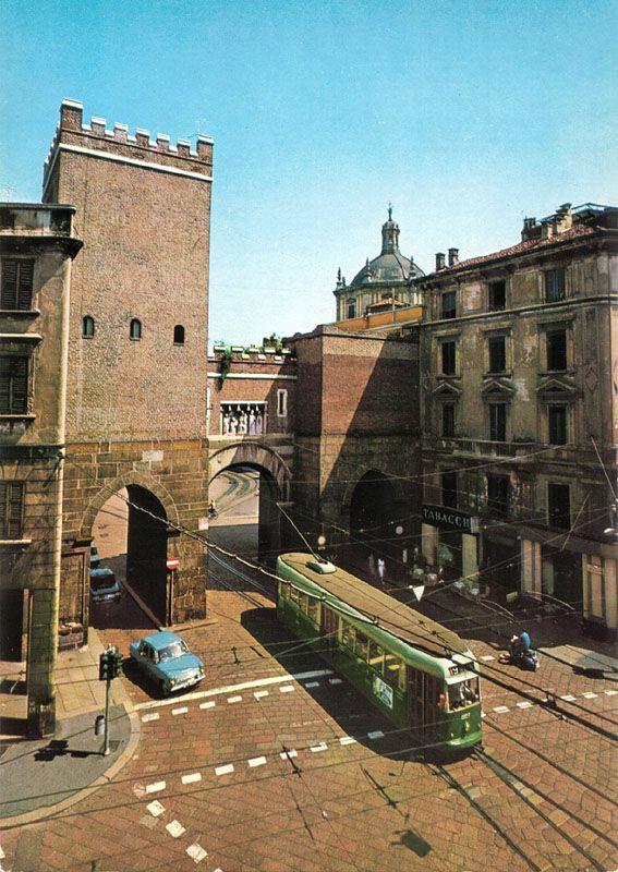 MILANO Vecchia Porta Ticinese