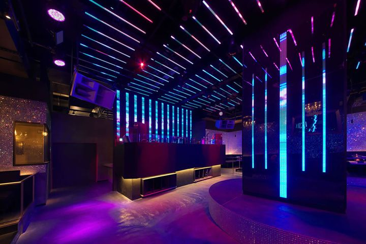 Vanity night club in Osaka by everedge