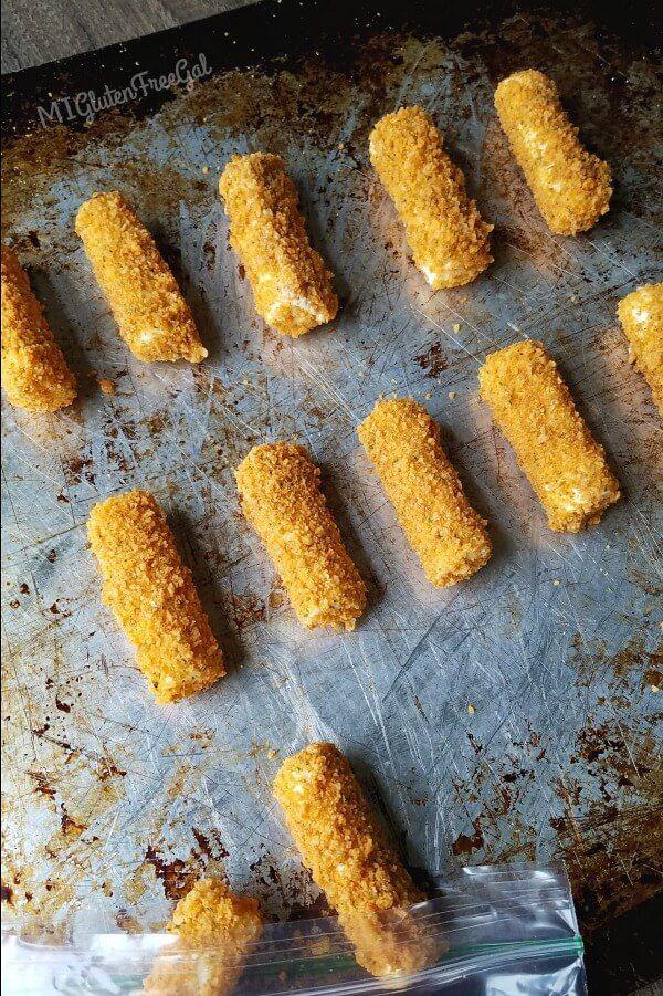 Gluten Free Baked Mozzarella Cheese Sticks Mi Gluten Free Gal Recipe Mozzarella Cheese Sticks Cheese Sticks Mozzarella Cheese