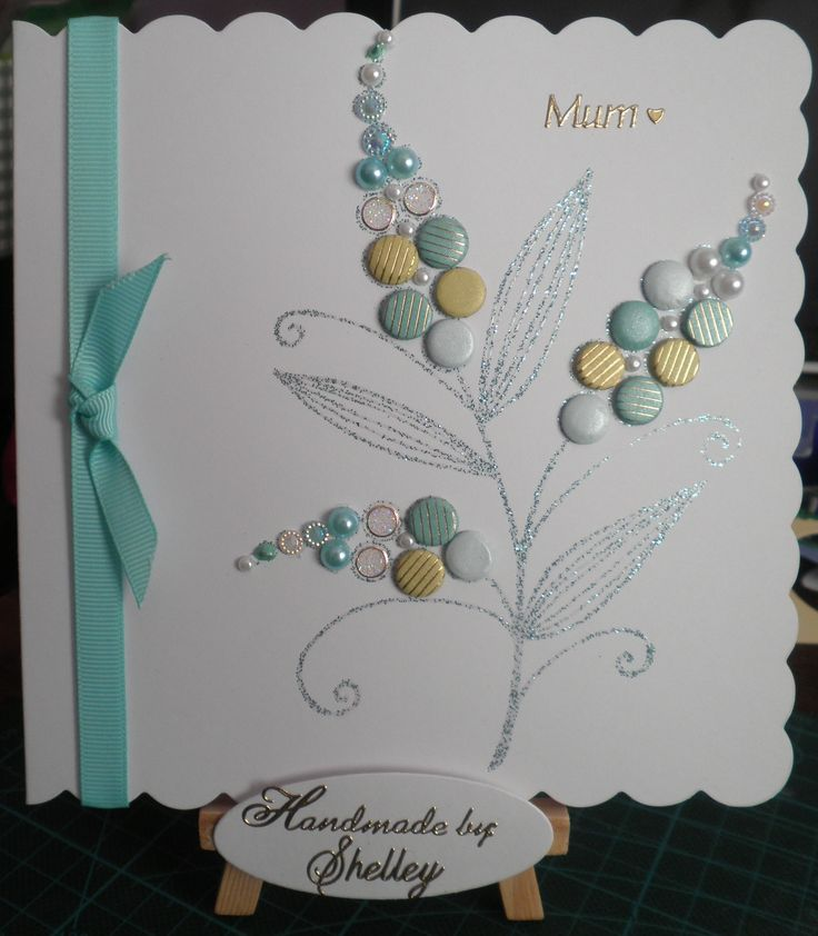 Bubble Bloom - Michelle, using Seaglass embossing glitter by Wow! Card Candi by Craftwork Cards. Lots of Dots peel-off by Craft Creations. Gems and pearls by Meiflower. Liquid Pearls by Ranger.