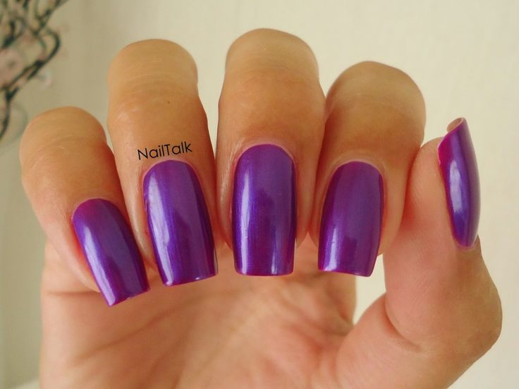 Laushine paarse nagellak door Nailtalk.nl