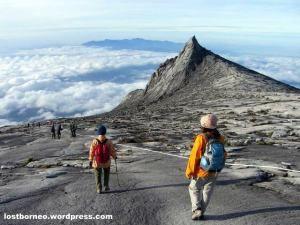 【マレーシア】キナバル山 東南アジア最高峰。 4,095.2mと富士山より少し高い山ではあるが、整備がされており短期間でアタックが出来る。
