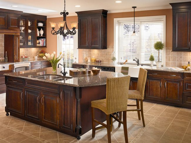 kitchen classically traditional photo 30 kraftmaid photo gallery like cabinet color. Black Bedroom Furniture Sets. Home Design Ideas