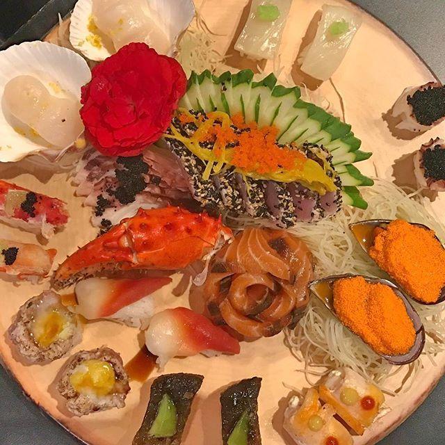 About last night 😍 @bravasushi 🔝 Combinado Iguarias #bravasushi #sushi #sashimi #japafood #japanese #japanesefood #japanfood #comidajaponesa #balneariocamboriu #delicia #delicious #iguaria #vieiras #ovas #salmão #salmon #peixecru #peixe #fishing #yummy #foodtrip #foodstagram #food #foodporn #instafood #trip #travel #travelphotography #travelphotography #travelgram #tasty by (algumlugarporai). foodporn #peixe #bravasushi #foodstagram #sushi #salmon #balneariocamboriu #japanesefood #ovas…