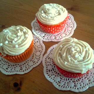 Recipe for delicious carrotcupcakes with cinnamon buttercream #foodblog #cupcakes #cinnamon / Recept voor wortel-cupcakes met kaneeltopping