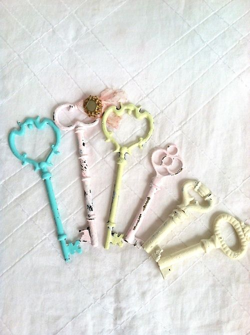 mariasfarmhouse:  Featuring a set of 6 hand painted keys, which have been gently distressed for the Shabby Chic lover. All work done in a sm...