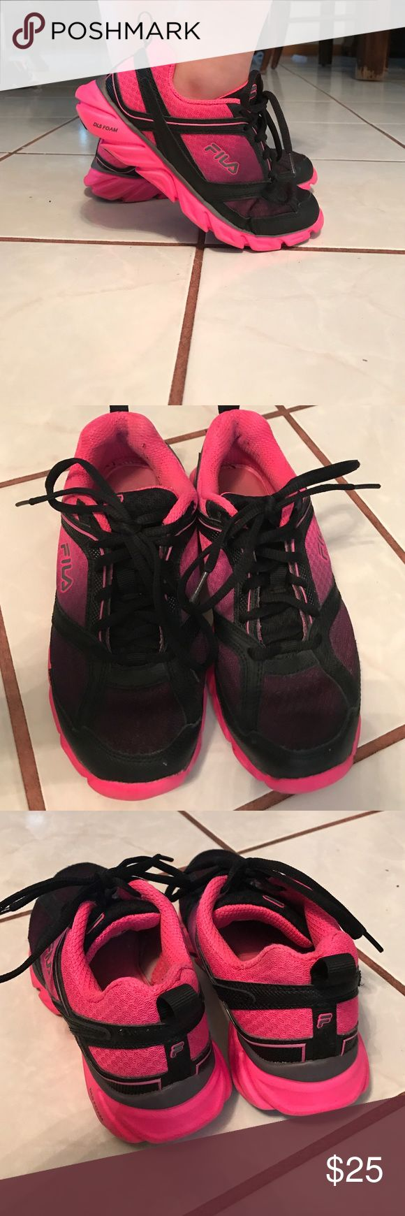FILA Running Shoes FILA Black/Hot Pink Running Shoes. Used... great condition. Minor signs of wear as shown in photo. Size 6. Fila Shoes Athletic Shoes