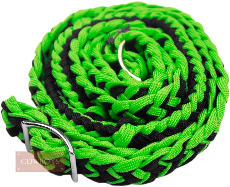 Rédea em Nylon para Cavalo Verde e Preta. Rédea feita em nylon trançado para cavalo na cor verde e preta. Produto importado, ideal para amantes de cavalos e estilo Country.