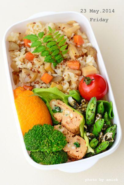 5月23日 金曜日 卵豆腐のトマト豆乳ソースと、ささみとスナップえんどうのわさび海苔和え&根菜の混ぜご飯 : おべんと綴り(おべんとつづり)
