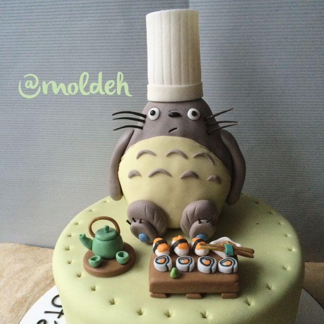 Pastel de Totoro Chef // Chef Totoro birthday cake // Sushi Japan.