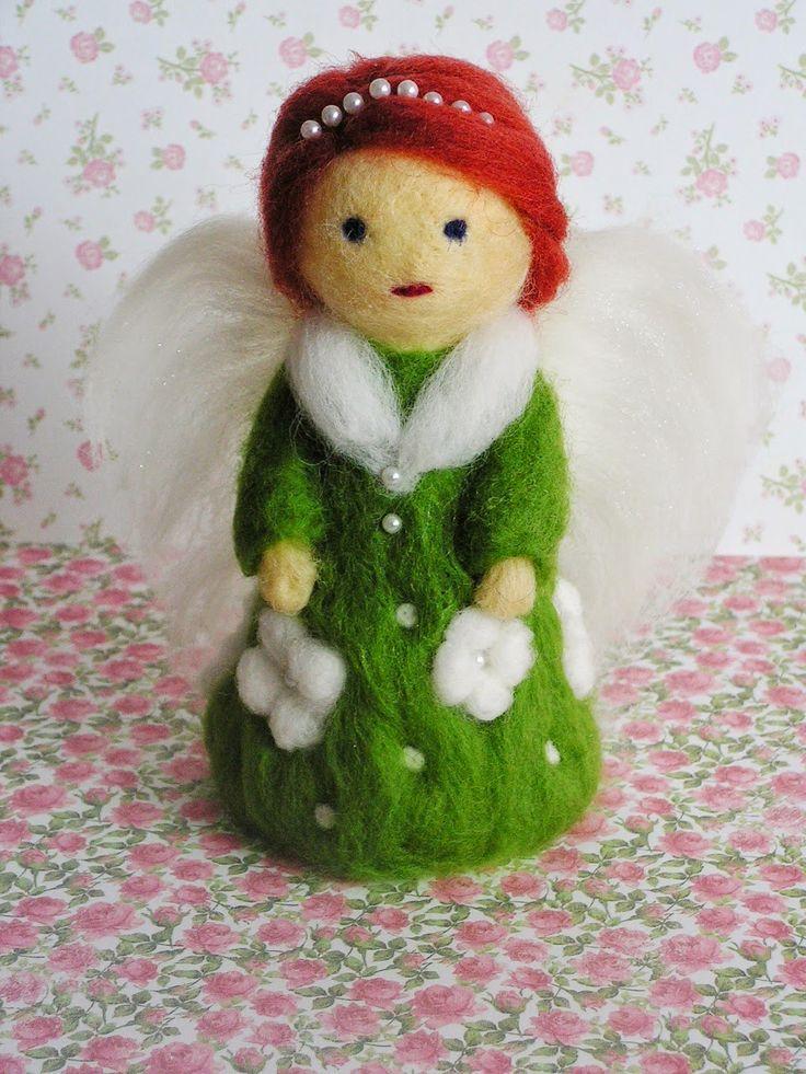 741 -anielica w zieleni